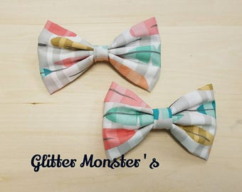 Boys Feather Print Bow Tie in Cotton, Ring Bearer Bow Tie, Groomsmen Bow Tie, Graduation Bow Tie, Clip on Bow Tie