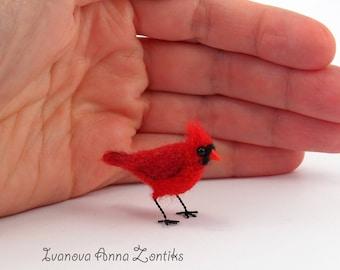 Felted Cardinal, Cardinal Bird,  miniature birds, red Cardinal,  Cardinal miniature, bird miniature, birds for dollhouse, tiny Cardinal
