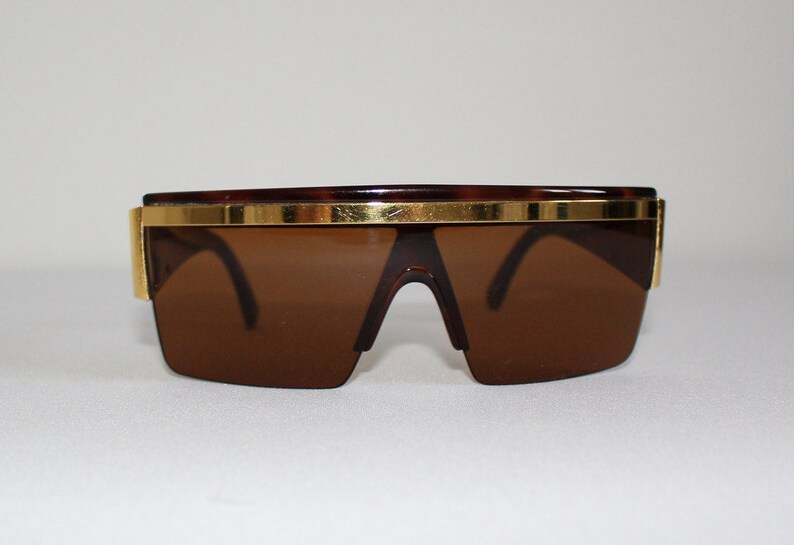 3298e0e1cfa Vintage Authentic Gianni Versace Sunglasses Brown Gold Made in