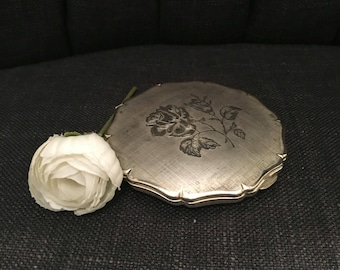 Beautiful Silver Vintage Make Up Compact & Mirror