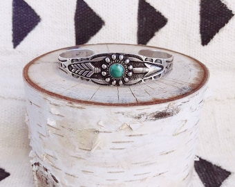 a9f033b20d7 Vintage 1940s Fred Harvey sterling silver and turquoise arrow cuff with  hand-stamped detail