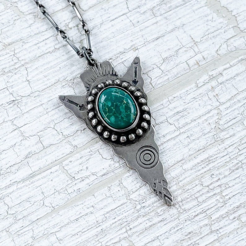 Vintage Fred Harvey sterling silver and turquoise large arrowhead pendant necklace with stamped detail
