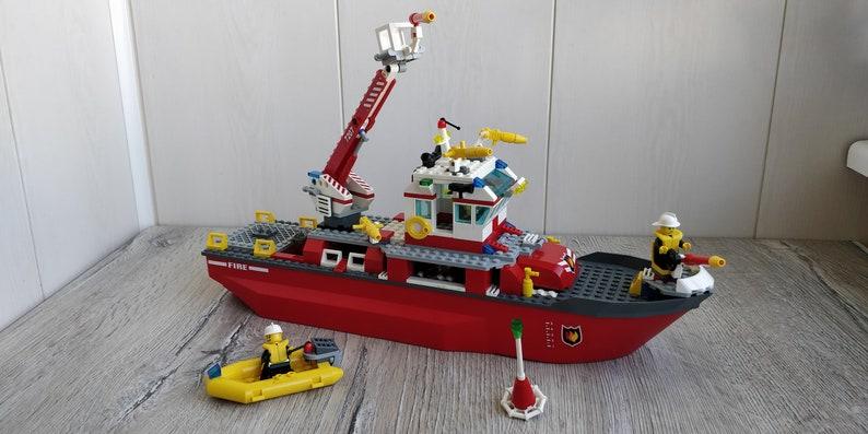 LEGO City Fire Ship 7207 Boat Fireman Ship. Lego City Fireman image 1