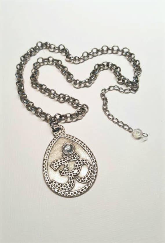 Ohm Symbol Buddhist Necklace Chunky Ohm Necklace Metal Om Etsy