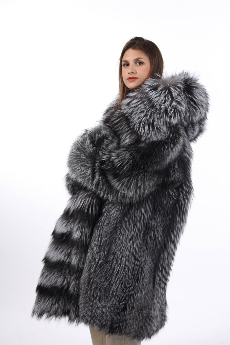 Silver Fox Fur Coat Women s Hooded Knee Length  Luxury  38fa27b18f0e