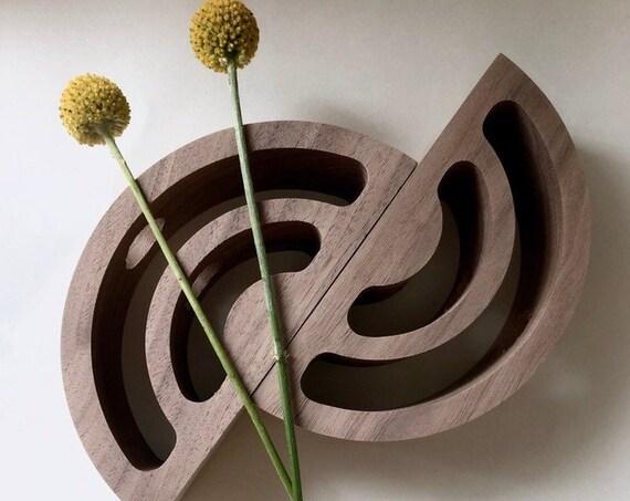 ARCS stem vase