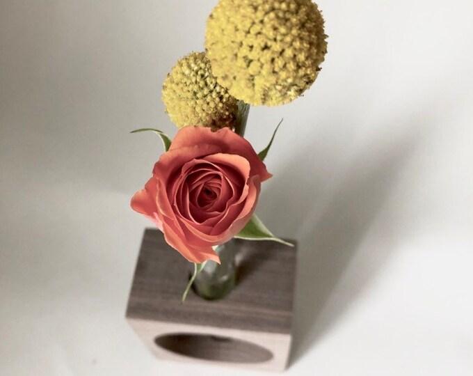 CUTOUT Stem Vase