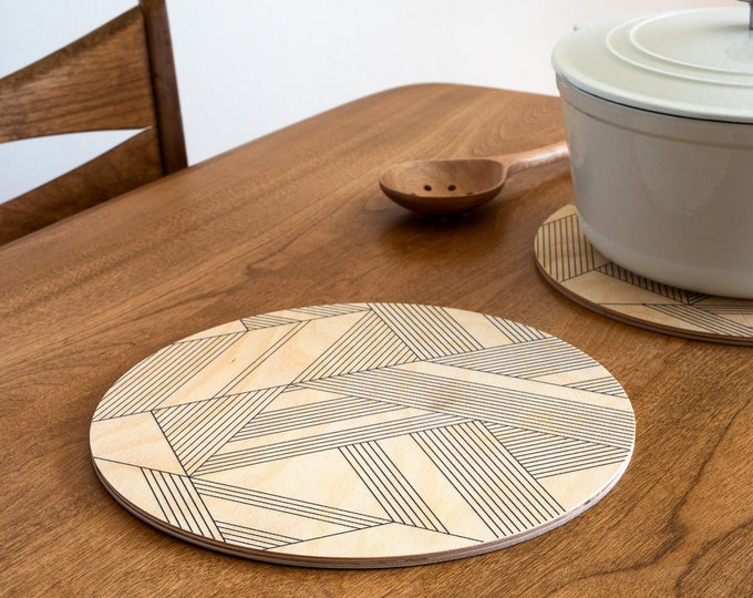 DECO trivet centerpiece / desk coaster
