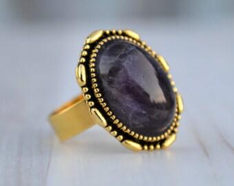 Amethyst antique gold tone ring, Amethyst cabochon ring, Amethyst brass ring, Amethyst ring, Amethyst vintage ring, Amethyst ring size 8.