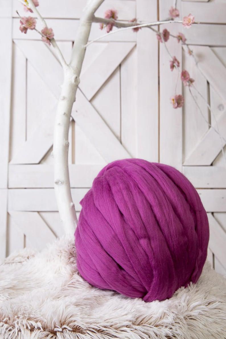 Chunky yarn Arm knitting 23 micron 2 lbs1 kg Wool roving Super bulky yarn Giant knit Fibre roving Merino top Pure wool