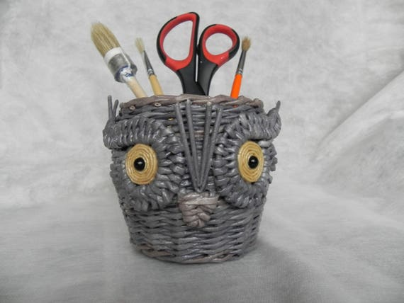 Owl stationery cup, office cup, clerical cup, owl ornament, paper wine, paper tubes, paper weaving