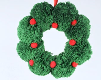 "Christmas 1//2/"" Holiday Multi Pom Poms Pack of 60 Craft Colors Green White /& Red"