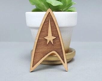 Star Trek Insignia Badge - Magnetic Wood Brooch - Laser Engraved - Lapel Pin