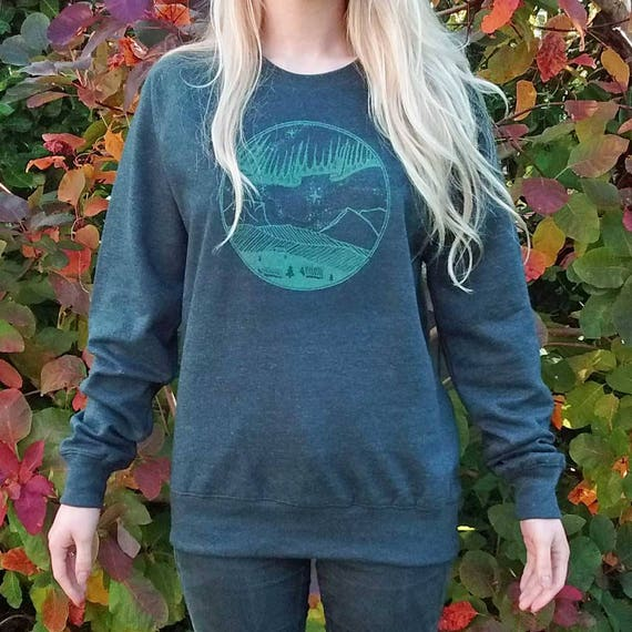 Northern Lights Aurora Sweatshirt Glow in the Dark Recycled Organic Cotton Ethical Eco Galaxy Nebula Stars Arctic Landscape Mountain GjAP7JIO9O