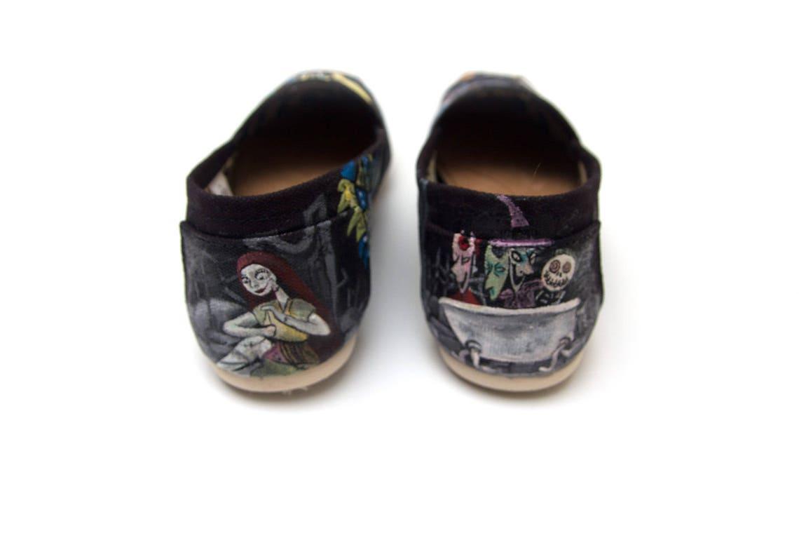 Costumbre pintado a mano pesadilla antes de los zapatos de Navidad