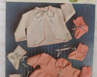 Instant Download of Vintage 1970s Knitting Pattern LAVENDA 590: Baby Crepe Double Knitting Pink and White -Retro Babies Patterns pdf.