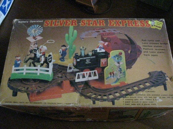 1970's Woolworth B/O Silver Star Express Toy Train Set in Box