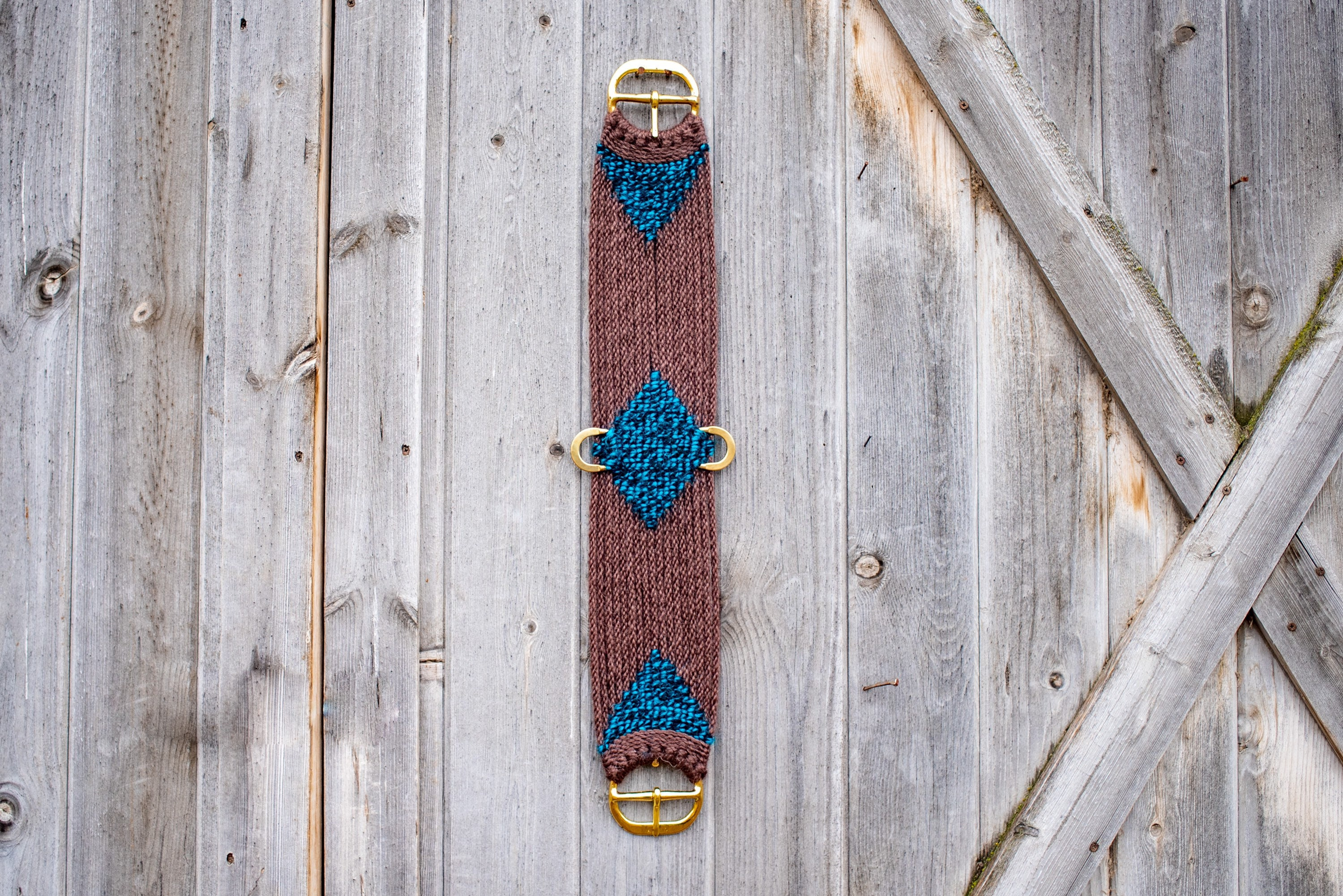 """32"""" brown and blue Cinch"""