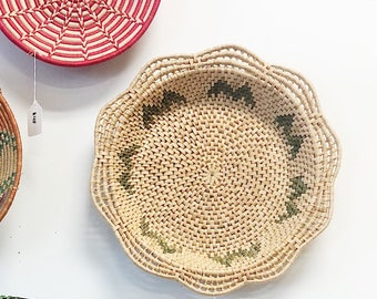 Vintage Large African Basket / Vintage Coiled African Straw Basket / Large Green Wall Basket / Boho Basket / Boho Decor