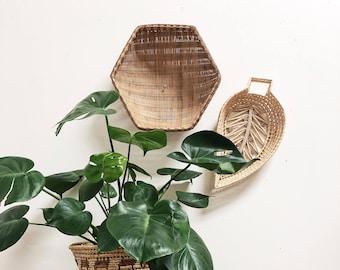 Vintage Extra Large Hexagon Wall Basket / Very Large Wall Basket / Large woven wicker basket tray / Boho Basket / Vintage Christmas Gift