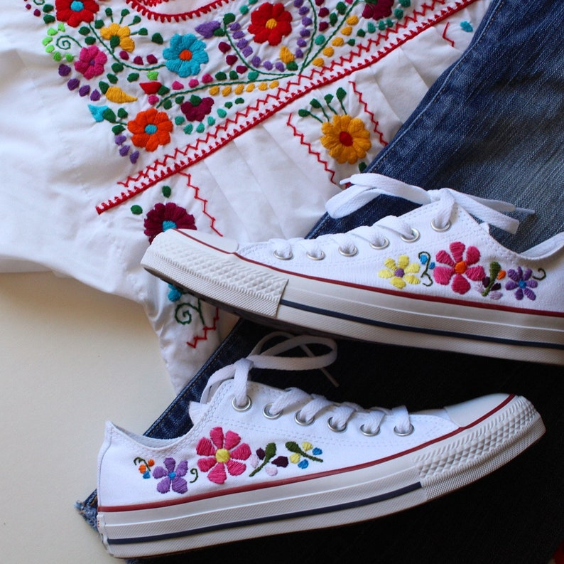 a53d889ce58d Hand embroidered custom converse embroidered flowers