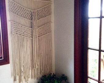 Large macrame wall hanging/ rope wall art/ fringing/wall tapestry / modern macrame/ natural rope