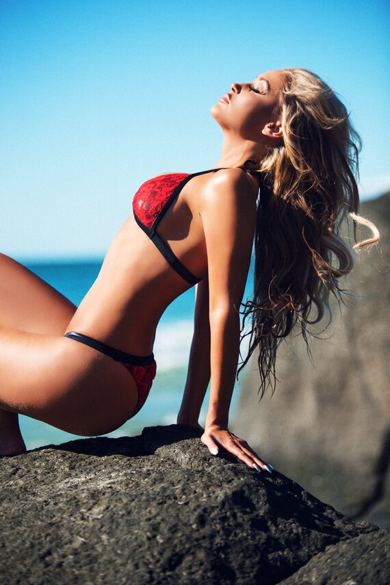 LEATHER & LACE...Thick bind strap fixed scrunch bum bikini pant