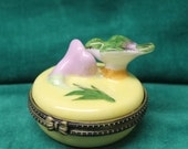 Hinged Porcelain TRINKET BOX Hummingbird Flower Ring Jewelry Holder Pill Container Keepsake Favor Engagement Proposal yellow pink green