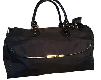 Stylish 1980 s Black Qantas Travel Bag Sports Bag 22e1a0537299