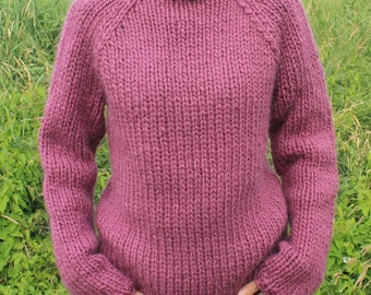 Chunky knit sweater made of pure, Icelandic wool. Size S ready to ship, all other sizes made to order.