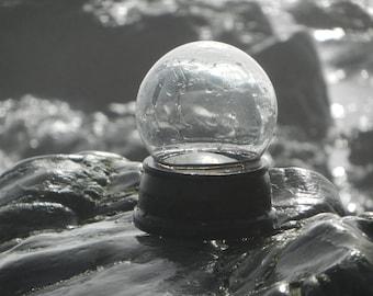 Fantastic Snow Globe Kit / Water Globe Kit (100mm glass dome, wooden base)