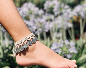 Crochet silver coin hippie anklet. Waterproof summer beach anklet. Beaded ankle bracelet. Boho wedding. Bridesmaid gifts. Indian jewellery.