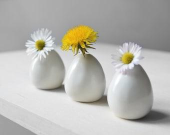 3 mini porcelain vases for small flowers. Ceramics pottery. Miniature vase. Small vase. White vase.