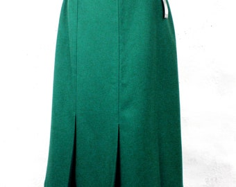 92ef1de8aaf2 Emerald Green Pure New Wool Straight Skirt Size 16 Made in UK Classic  Traditional