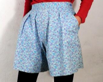 Vintage Laura Ashley Floral Print Cotton Shorts   Size S