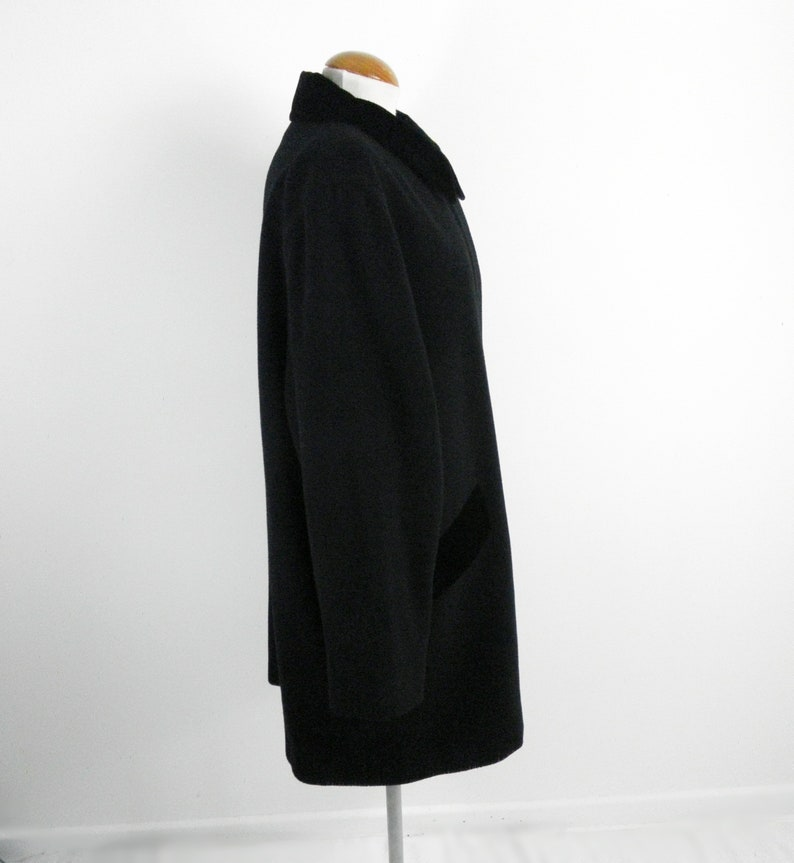 1980s Intense Black Tailored Wool and Cashmere 3  4 Coat with Velvet Collar by House of Fraser Size UK 16 Classic Traditional Boho Luxury