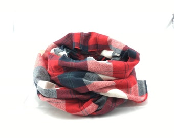 Americana Flannel infinity scarf, red and navy plaid scarf, plaid infinity scarf, warm infinity scarf, plaid fall scarf, soft infinity scarf