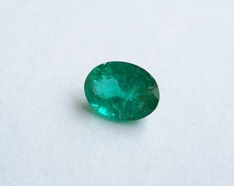 emerald loose gemstone 0.70 ct, genuine emerald gem, 7.1 mm x 5.1 mm x 3.6 mm, emerald, green, emerald green gemstone, 0.70 ct