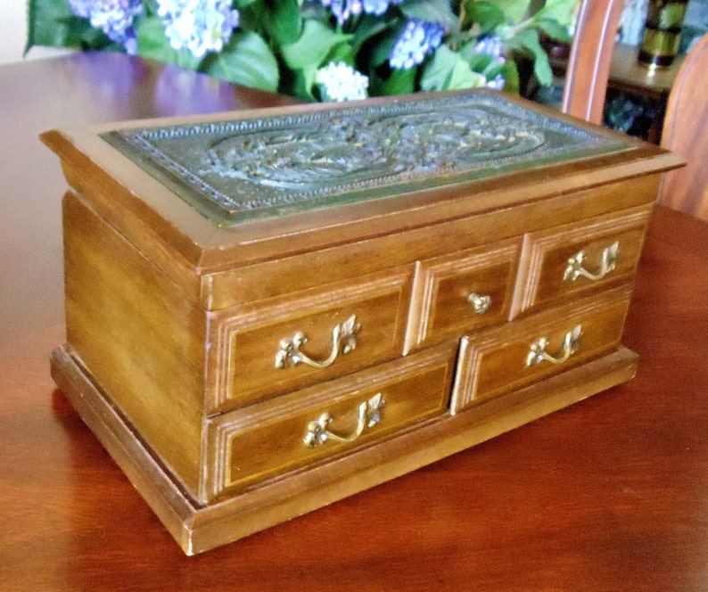 Vintage Toyo Japan Musical Jewelry Box Oak Wood Red Velvet Padding Carved Wood Top /& Bronze Tone Metal Floral Handles Musical Jewelry Box