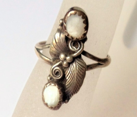 Vintage Mid Century Navajo Squash Blossoms White Mother Of Pearl Stone Srerling Silver Southwestern Ring Navajo Sterling Ring Size 6 34