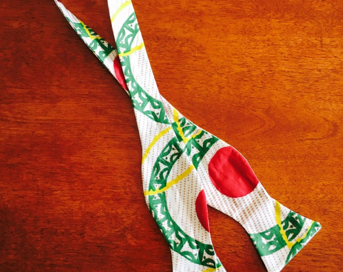 Selftie African fabric bowtie