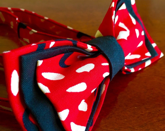 Floral Bowtie- African Fabric Colorful Bowtie- Gift For Men- Selfie Bowtie For Wedding- Handmade Bow tie- Adjustable Bow tie