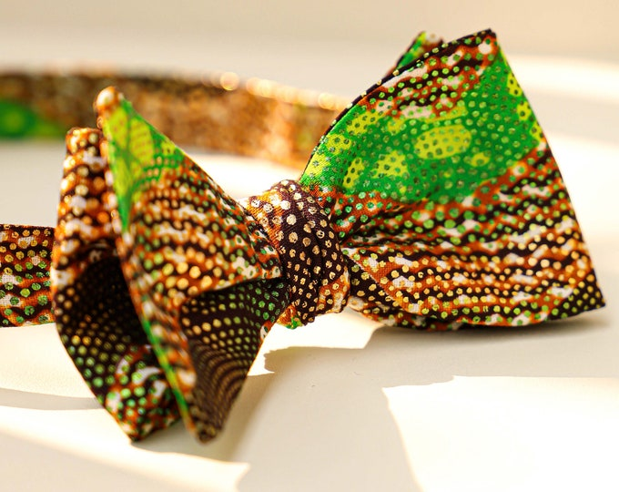 Wedding Bowtie, Green and Gold Bowtie, Fall Wedding Bowtie, Groomsmen's Bowtie, Grooms Bowtie, Men's Accessories, African Tie, Pocket Square