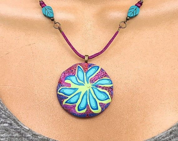Flower jewelry | Flower necklace | Pendant Necklace | Medallion necklace | Polymer clay medallion necklace | organic jewelry | Gift for Her.