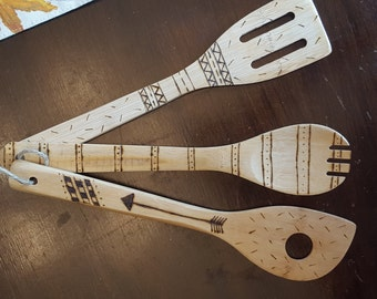 Decorative wooden utensils