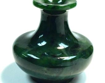 VINTAGE JADE Siberian NEPHRITE Bud Vase Mineral Green 738 grams C5