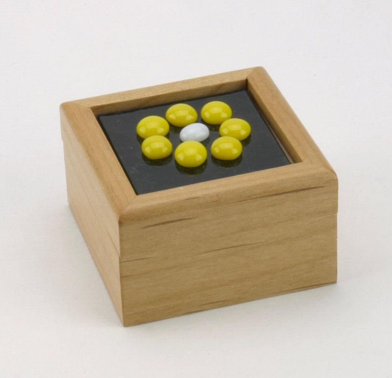 Yellow glass ring box  Yellow glass flower treasure box  image 0