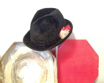 HUGE SALE----Vintage - Bilmore Beaver Men's Hat Fedora - Braid feather detail with BOX / Made in Canada / Canadian Beaver - Size 7
