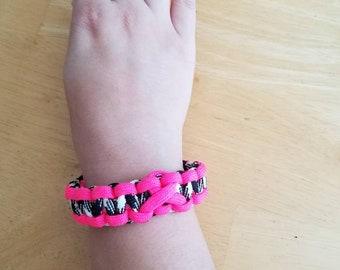 Paracord bracelet, women's bracelet, survivor bracelet, 550 paracord, paracord cancer ribbon,  unisex bracelet, survival bracelet,