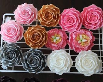 50 bleu sucre roses comestibles gâteau de mariage Cupcake Décorations 9 options 30mm